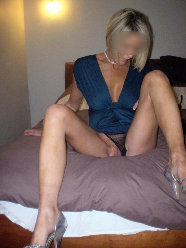 Cougar blonde et sexy