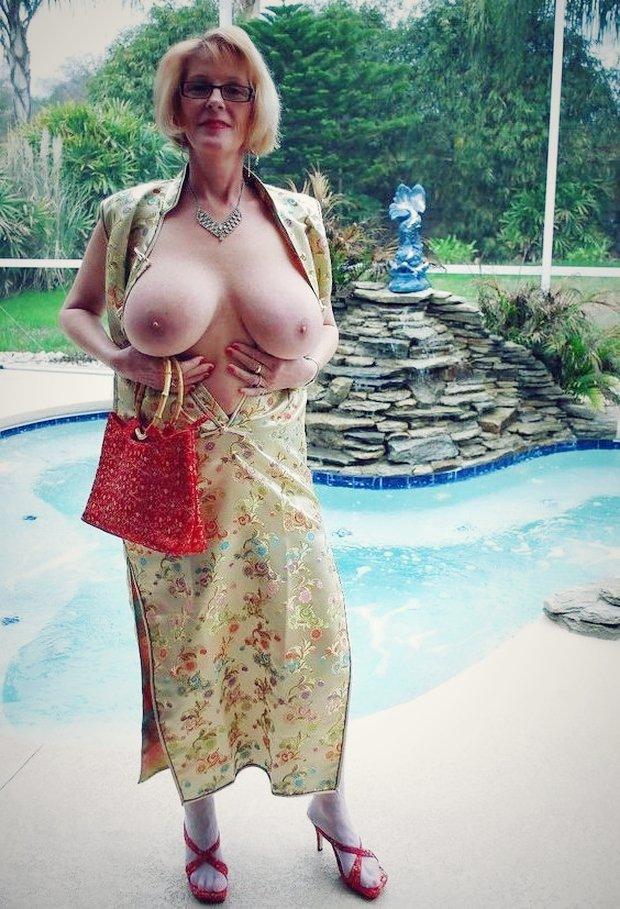 J'exhibe mes gros seins sur le snapchat cougar