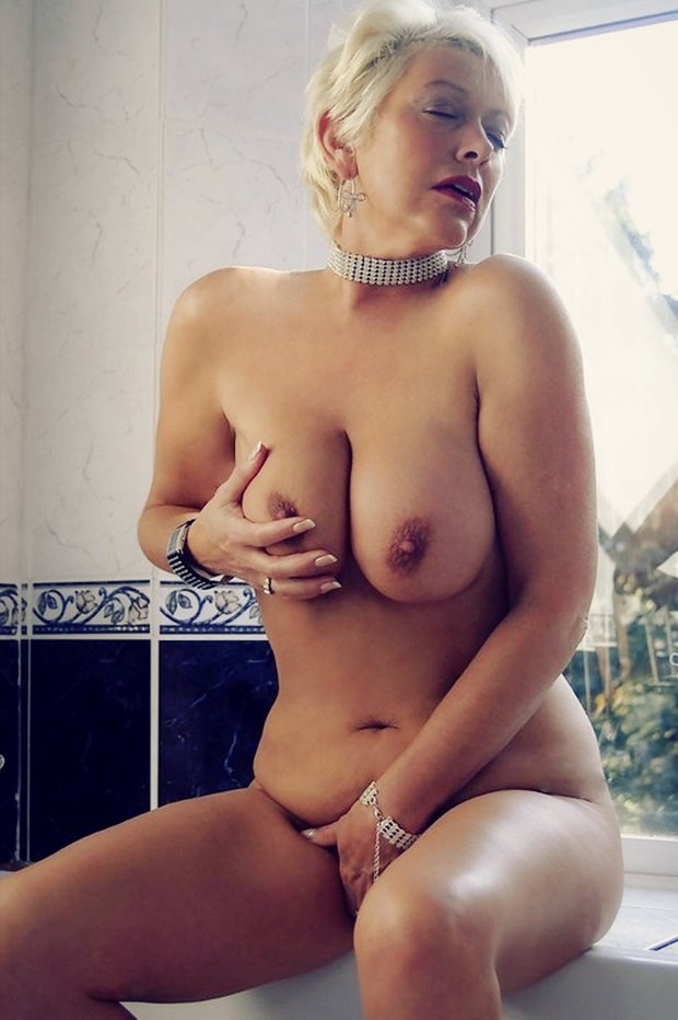 Les gros seins de la rencontre cougar